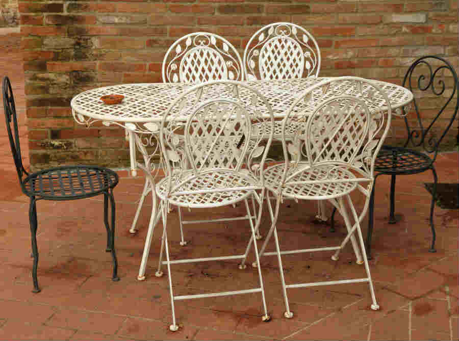 How To Paint Metal Patio Furniture Diy Painting Tips
