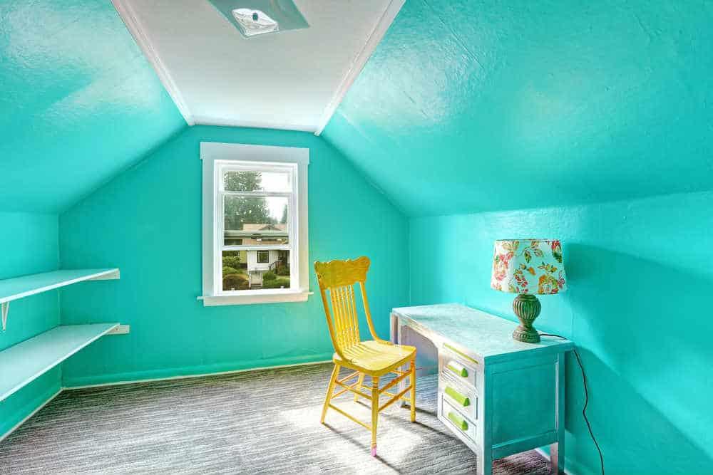 Aqua green room