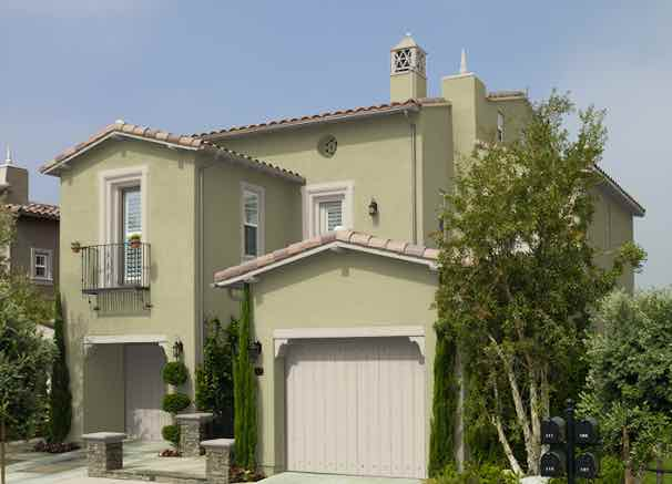 20 Popular Exterior House Colors for 2021 1