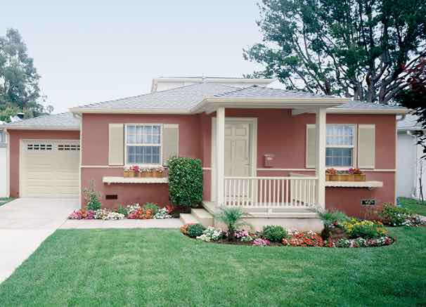 20 Popular Exterior House Colors for 2021 12