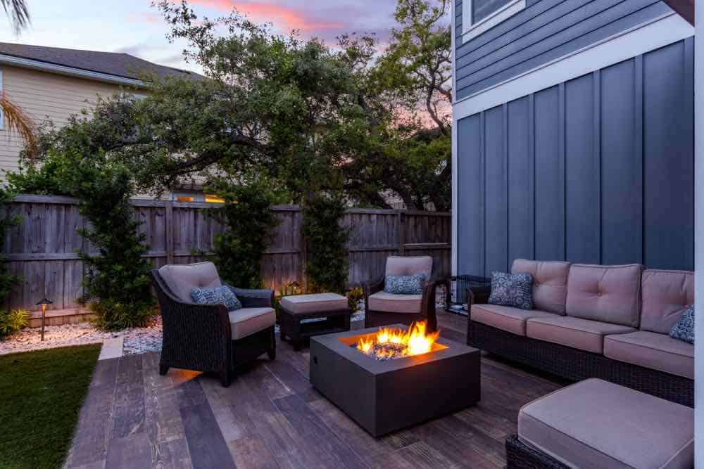 11 Deck Stain Colors That Will Make Your Deck Pop! 1