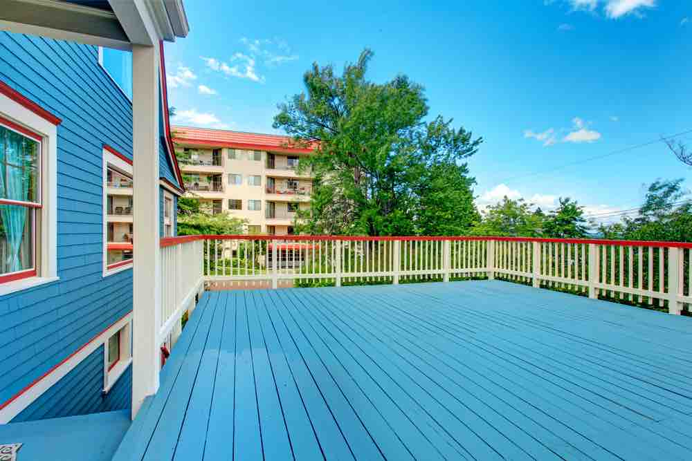 Only the best deck paint will give you bold, long-lasting colors.