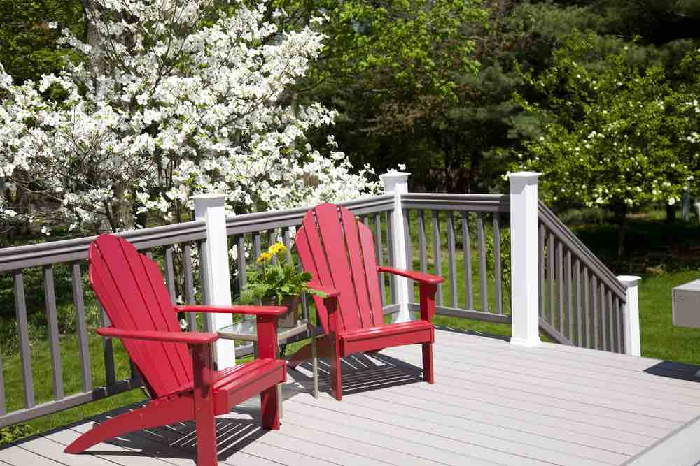 The best deck paint will give you the backyard of your dreams for years to come.