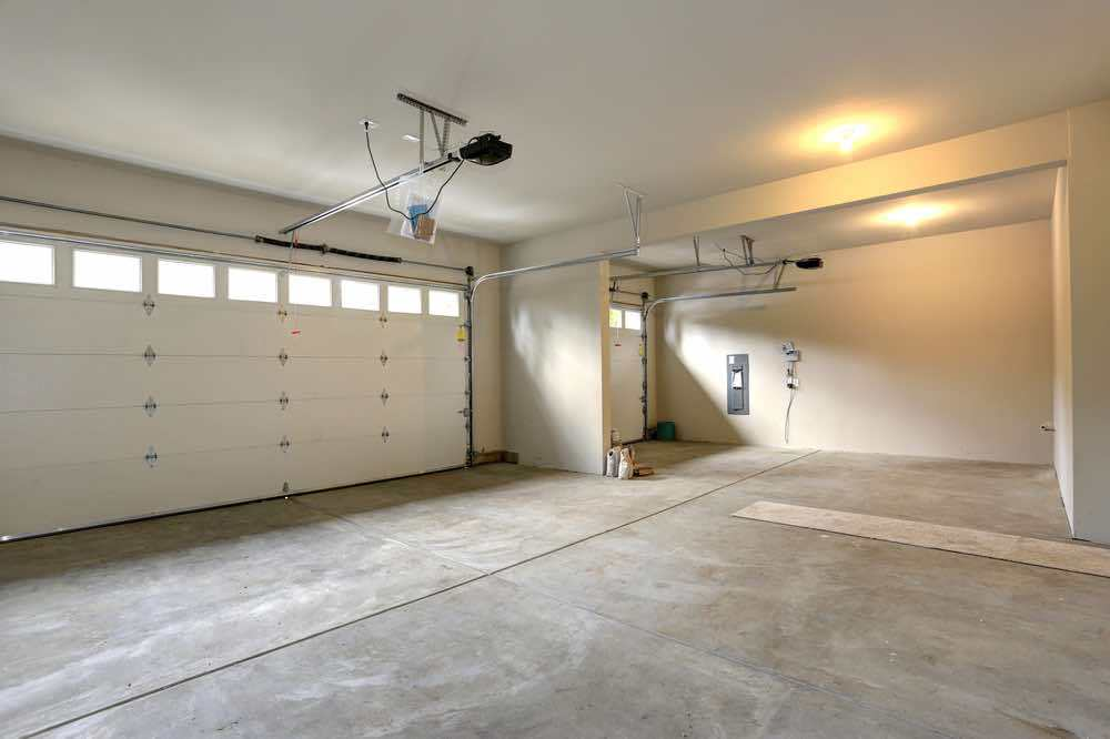 Using a high-quality paint for your garage walls will extend the life of your garage wall paint.